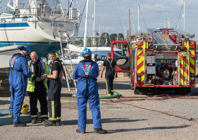 Debrief and clearing up, Hampshire Fire Service and Lymington Coastguard