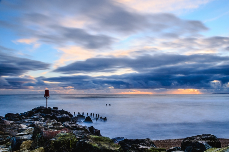ISO100, F14, 20sec - the movement of the sea with an ND400 filter in place.